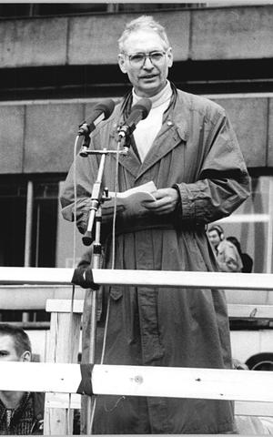 Jens Reich was one of the speakers at the demonstration in Berlin's Alexanderplatz on November 4, 1989.