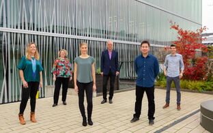The picture shows the four young junior research group leaders with the chairs of the Single Cell Program: Ashley Sanders, Angelika Eggert, Stefanie Grosswendt, Nikolaus Rajewsky,Leif Ludwig and Simon Haas (from left to right).